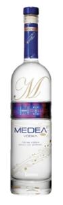 Medea Vodka met LED verlichting 0.7 liter